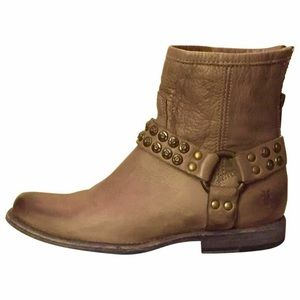 Frye 10 Phillip stud harness ankle boots tan